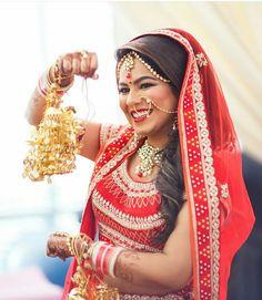 #ADLovetales #HappyBride in #AnitaDongre #bridal #couture #gotapatti #luxury #bridal #brides #lehenga #skirt #handcrafted #handmade #embroidery #wedding #weddings #sangeet #festive #festival #rajasthan #india #indian #indianbride #asianbride #asianwedding