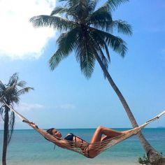 Summer Photos, Beach Photos, Pool Poses, Lake Pictures, Summer Paradise, Foto Pose, Bikini Beach, Beach Day, Aesthetic Pictures