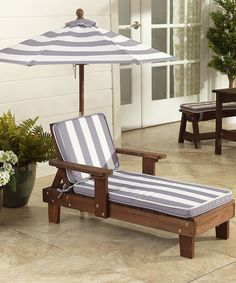 kidkraft gray u0026 white chaise lounge u0026 umbrella