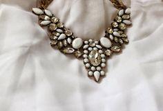 Joyas-Bisutería Blanca   Chicwish , Otoño-Invierno 2014. En el armario de sojuls desde el 21-3-2014 Brooch, Style Inspiration, Detail, University, Accessories, Lifestyle, Jewelry, Top, Fashion