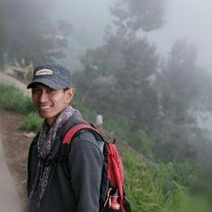 Senangnya main dipedesaan kaki gunung itu bisa menikmati kabut saat pagi dan sore... #tropicalwilderness  #adventures #gooutside #getoutside #gunungindonesia #id_pendaki #nusantara #mahamerubandung #mahamerusurvivalsoul
