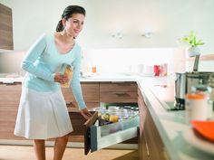 8 Smart & Stylish Kitchen Storage Systems - Homes and Hues Functional Kitchen, Stylish Kitchen, Corner Drawers, Tiny House Storage, Cooking Equipment, Custom Kitchens, Butler Pantry, Cooking Utensils, Kitchen Storage