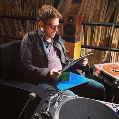 Damon visits the vast vinyl collection at the Radio France Music Library.