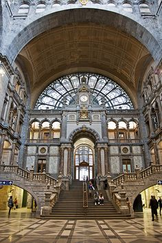 Antwerp Railway Station, 2nd most beautiful station in the world in 2009, Belgium