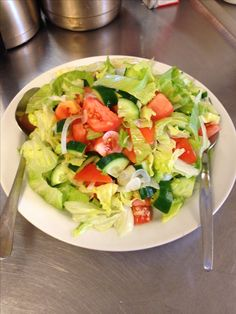 Healthy Strawberry Fields Salad with Grilled Chicken Healthy Oatmeal Recipes, Healthy Muffin Recipes, Healthy Breakfast Recipes, Healthy Baking, Clean Eating Recipes, Healthy Foods, Turnip Salad, Healthy Lunches For Work, Work Lunches