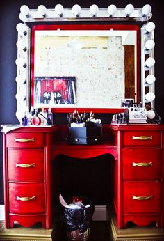 Love this vanity makeup station. Get some vanity lights from salvage, redo a dresser... yay!