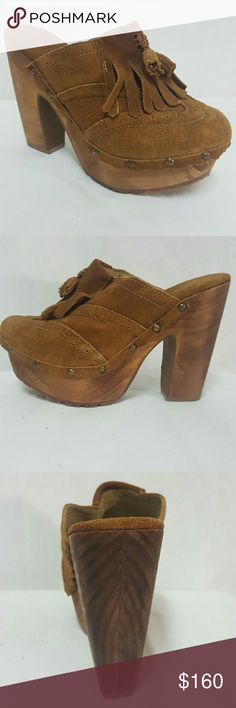 BED STU suede platform wood clogs worn once Sz 8 Bed Stu clogs in like new condition. Size 8 medium, front platform is 1.5 inches, wood heel is 4.7 inches. Thank you Bed Stu Shoes Mules & Clogs
