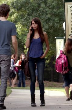Elena Gilbert in The Vampire Diaries S05E02