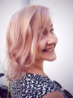 Pearl pink summer hair by Susanna Poméll / www.healthyhair.fi #healthyhairfinland #susannapomell
