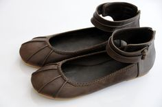 love this pair of leather ballet flats.  they look so soft, and the braiding is a lovely detail.