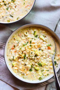 Summer Fresh Corn and Zucchini Chowder - the BEST healthy chowder! At only 173 calories, NO flour, NO heavy cream | http://littlebroken.com /littlebroken/