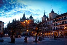 Anochece en Segovia. by MiguelOnPhotography