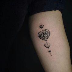 Tatuagem de corações