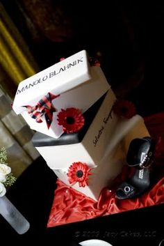 Discover the best ideas for Cake & Desserts! Read articles and watch videos about Cake & Desserts. Shoe Box Cake, Shoe Cakes, Cupcake Cakes, Cupcakes, Pretty Cakes, Beautiful Cakes, Amazing Cakes, My Dream Cake, Wedding Cake Photos