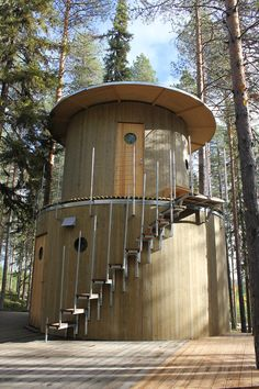 In Sauna Veritas - In sauna there is truth!Bathing in a steam sauna is much more than just bathing. A visit to the sauna is as close as it gets to a. Luxury Tree Houses, Terra Nova, Small Tiny House, Small Houses, Treehouse Hotel, Unusual Hotels, Best Hotel Deals, Forest House, Play Houses