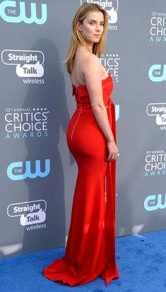 Best Betty Gilpin Hot Images Betty Gilpin Nurse Jackie