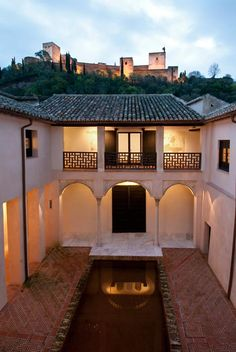 Casa de Zafra (Granada), by @hola Fachada Colonial, South Of Spain, Granada Spain, Grenade, Islamic Architecture, Italy Architecture, Le Palais, Spanish House, Spain Travel