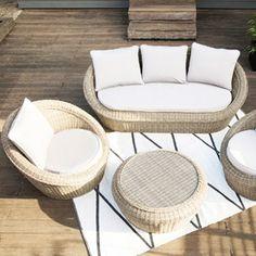 Salon de jardin en résine tressée 5 places http://www.delamaison ...