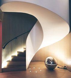 Escadaria inspiradora que dá acesso ao restaurante do @editionhotel meu cantinho nessa semana de moda uma experiência incrível estar hospedada aqui. A decoração é minimalista e super chique!  @Fhits #fhitsny