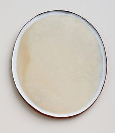 Nina Malterud <em>Stort ovalt fat</em><br />leire, diam. 41 cm