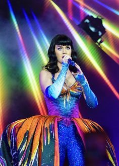 Prismatic World Tour in London, England - 05.31