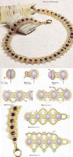 El collar tierno de los abalorios dorados