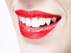 """láser-dientes, esto no es exactamente un nuevo material, pero me parece muy interesante ya que a través de un láser la """"materia dental"""" es capaz de regenerarse es por lo tanto que se podría decir que se crea un nuevo material."""
