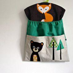 Kapsář do školky / Zboží prodejce Škvó | Fler.cz Peg Bag, Fabric Bags, Baby Decor, Bag Sale, Kids And Parenting, Applique, Textiles, Dolls, Sewing