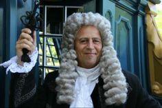 Willem van der Meulen (1658-1739), bewindhebber van de VOC en gelukkig getrouwd met Sophia Huydecoper. Hij is druk met zijn taken als 'patriarch' van het gezin en is regelmatig in Amsterdam en Utrecht te vinden voor zijn taken bij de VOC. - See more at: http://historischhuren.nl/object/willem-van-der-meulen-1658-1739/#sthash.egskhCgN.dpuf