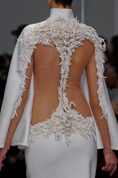 "tumbledownthemountain: "" judith-orshalimian: "" Stéphane Rolland haute couture spring/Summer 2013 details, Paris fashion week! "" Xx """