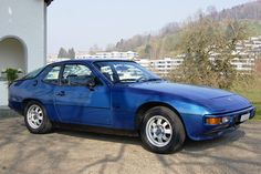 """Porsche 924. Mine is silverblue metallic with a Black and White """"pascha"""" Interieur. Its a 1983, 2.0 with 125hp, 5gear. A Classic Car without all this electric nonsense! ;)"""