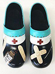 Adorable, durable and a little retro. Best Nursing Shoes, Nursing Clogs, Comfortable Sneakers, Comfy Shoes, Professional Shoes, Shoes Too Big, Womens Flip Flops, Gold Sandals, Black Purses