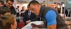 Autogrammstunde mit Matthias Sempach an der Tier&Technik 2013 Tier, Archive
