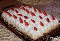 Krémové rezy s piškótami a jahodami Cake, Food, Kuchen, Essen, Meals, Torte, Cookies, Yemek, Cheeseburger Paradise Pie