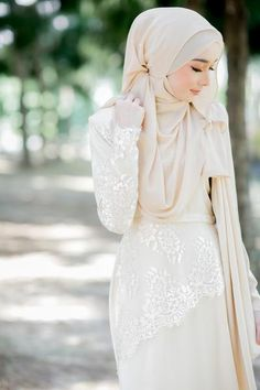 Fiona Lacey Dress Cream with Cream Lace