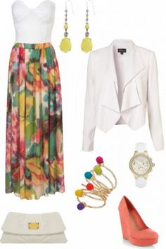Such an amazing Floral Maxi Skirt! #outfit #style