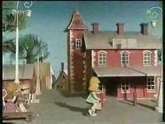 Macko Usko - Cervena lizanka - YouTube Mansions, House Styles, Youtube, Home Decor, Decoration Home, Manor Houses, Room Decor, Villas, Mansion