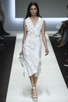 Ermanno Scervino Spring 2016 Ready-to-Wear Fashion Show. Printemps 2016 prêt-à-porter #mode #fashion