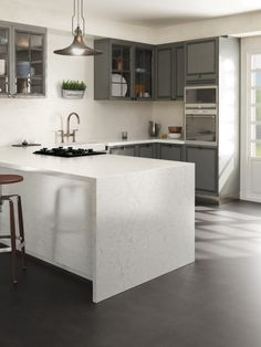 Have you noticed that Silestone Eternal Pearl Jasmine is the #TopsOnTop element of this space? Its great application captures all the attention. #Interiordesign