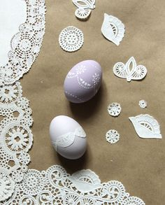 easter eggs with doilies