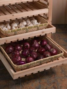 $46.95 · Versatile and Sturdy Woven Bamboo Trays Bamboo trays are handy for harvesting, rinsing, drying and storing garden produce Set of two trays We created these bamboo trays for storing garlic and other small items in our Orchard Racks but you'll find them handy for harvesting, too. Bring the trays to the garden to harvest vegetables, letting soil particles fall through the holes. Or hose off veggies right in the trays. Allow produce to sun-dry in the trays, then slip them right ..