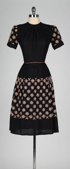 vintage 1940s black dress . DORIS DODSON . by millstreetvintage