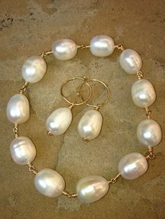 White Baroque Pearl Earrings on Gold Crammed wire by Pearl Bracelet, Pearl Jewelry, Wire Jewelry, Boho Jewelry, Beaded Jewelry, Jewelry Accessories, Handmade Jewelry, Jewelry Design, Pearl Earrings