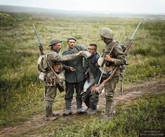 Lee Enfield, British Army Uniform, British Soldier, Ww1 Soldiers, Wwi, World War One, First World, Battle Of The Somme, World Conflicts