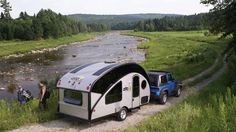Canadian company Safari Condo has recently released the Alto R 1713 and R 1723 recreational campers. Both travel trailers are lightweight and boast an aerodynamic teardrop shape, which makes towing them easy and accessible.