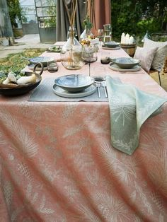 Table Settings, Table Decorations, Home Decor, Damask, Dinner Table, Decoration Home, Room Decor, Place Settings, Home Interior Design