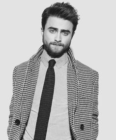 ~ † Daniel Radcliffe † Photographed By Alan Clarke for InStyle Man (Russia) Magazine Johnny Depp, Alan Clarke, Daniel Radcliffe Harry Potter, Harry Potter Puns, Suit Up, Perfect Boy, Drarry, Well Dressed Men, Man Photo