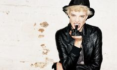 Moussy is a punk rock, new wave Japanese brand, for which Agyness Deyn shot their fall winter campaign with fashion photographer Terry Richardson. Tatjana Patitz, Agyness Deyn, Trends Magazine, Terry Richardson, Natalia Vodianova, Jane Birkin, Linda Evangelista, Christy Turlington, Glam Rock