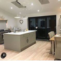 Kitchen vibes / if only there was food in it ! Kitchen Time, New Kitchen, Kitchen Decor, Kitchen Ideas, Kitchen Diner Extension, Shaker Kitchen, House Extensions, My Dream Home, Side Extension