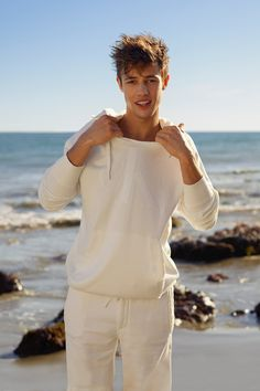 Cameron Dallas wears the Spring 2016 Calvin Klein Jeans Limited Edition pull-on hoodie. #mycalvins